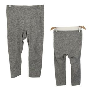 Old Navy Cropped Fit Grey High Rise Leggings.